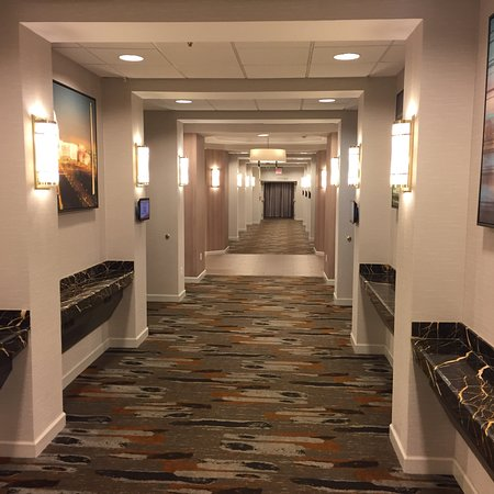 Crowne Plaza Dulles Airport Hotel: photo0.jpg