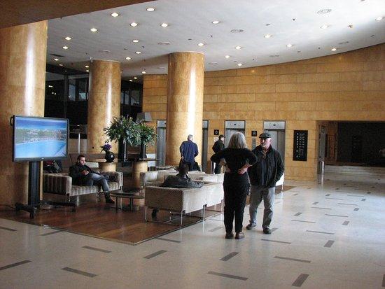 Catalonia Barcelona Plaza: Lobby