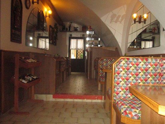 Novy Jicin, Tsjechië: pístnos pro hosty penzionu snídaně,lednice,mikr.trouba,várná konvice,nádobíí