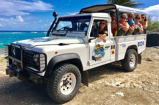 Oistins, Barbados: Recent group of nine Explorers out exploring our beautiful Island