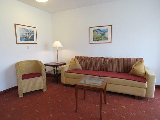 Piesendorf, Austria: Sitzgelegenheit im Familienzimmer