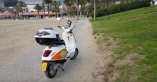 GPS Scooter Rental in Barcelona: Spiaggia