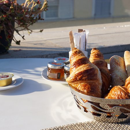 Perfect location and delicious breakfast