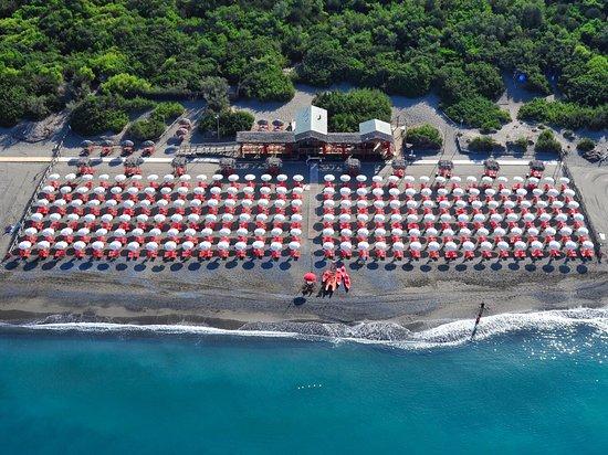 Marina di Bibbona, Włochy: Il Bagno Cormorano dall'alto