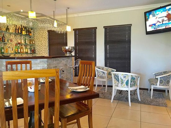 36 On Bonza Boutique Guesthouse Dining Room Area With Small Lounge An Der Esplanade Von East London