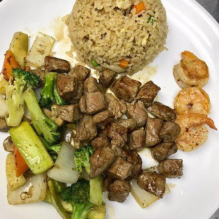 Ottawa, KS: Good sushi good steak good price !amazing.