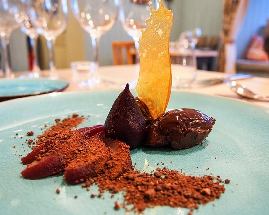 Bampton, UK: Chocolate ganache and poached pear
