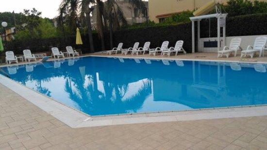 Hotel Pace: piscina hotel