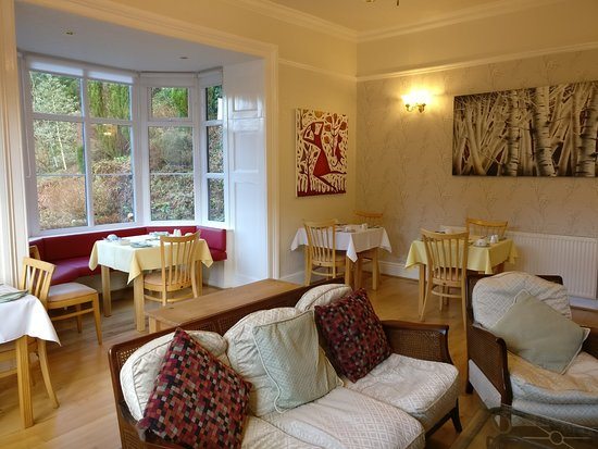 Glyntwrog House: Victorian dining room and guest lounge