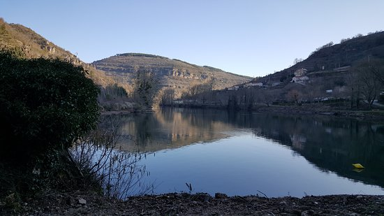 Saint-Rome-de-Tarn, فرنسا: Vue sur le Tarn