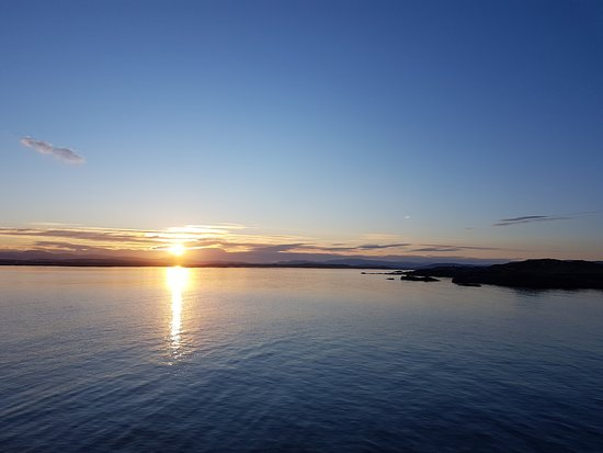 Burtonport, Ireland: Watching the sunrise on Arranmore Island
