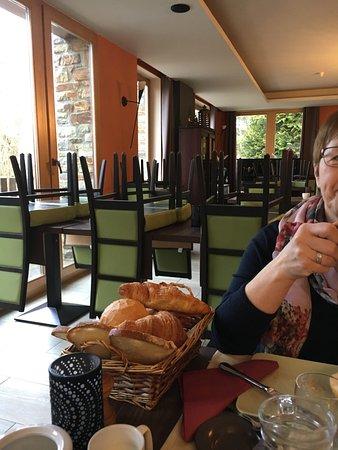 Nadrin, België: gezellig ontbijt