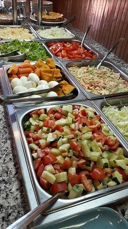 Hohenau, Paraguay : Las exquisitas ensaladas de nuestro buffet...