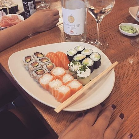 aji sushi aix en provence restaurant avis num ro de t l phone photos tripadvisor. Black Bedroom Furniture Sets. Home Design Ideas