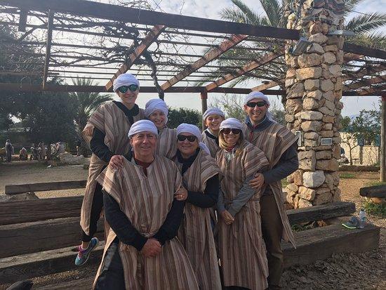Dekel Tours : Family at Kfar Kedem
