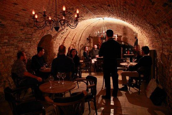 Degustación de vinos en la oscuridad
