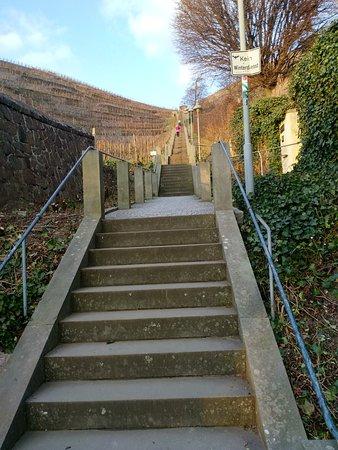 Spitzhaus Stairs: der Anfang, nur noch 397 Stufen nach oben