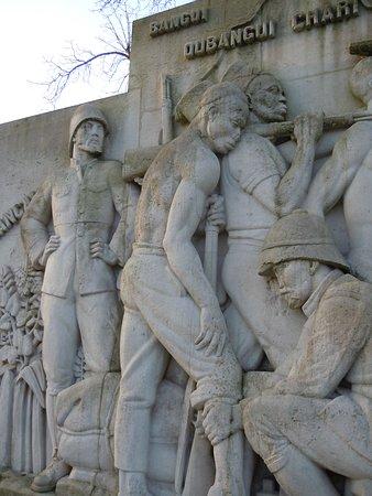 Monument a la mission Marchand