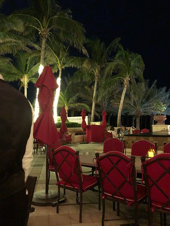 Sunny Isles Beach, FL: outside seating