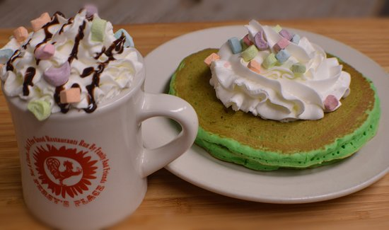 East Wareham, ماساتشوستس: Lucky Charms Pancakes and Hot Chocolate