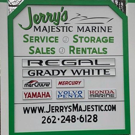 Fontana, WI: Jerrys service center sign