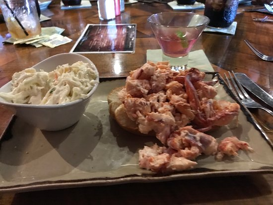 Raymond, NH: Lobster roll and slaw