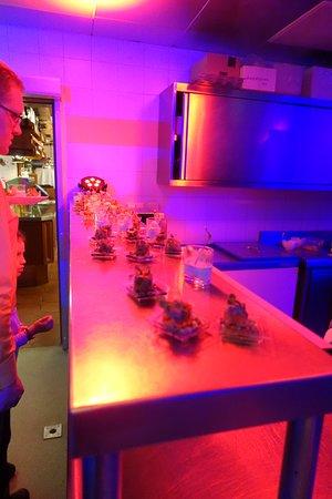 Hotel Dachstein: Vorspeisenstation in der Küche