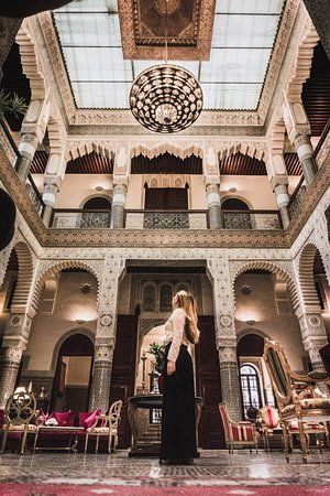 Riad Fes - Relais & Chateaux: Majestic main lobby - for more travel inspiration follow me on Instagram @tatis.travel.tracks
