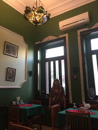 Oasis Palace : My daughter in the nonsmoking dinning room