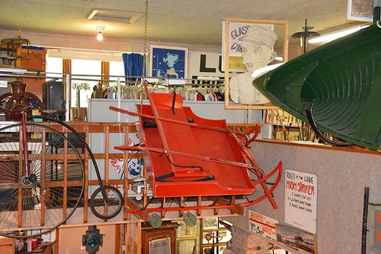 Milford, IA: Large amounts of Iowa Great Lakes area memorabilia