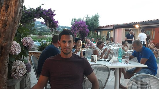 Кала-ди-Вольпе, Италия: Pizzeria a 1 cuadra