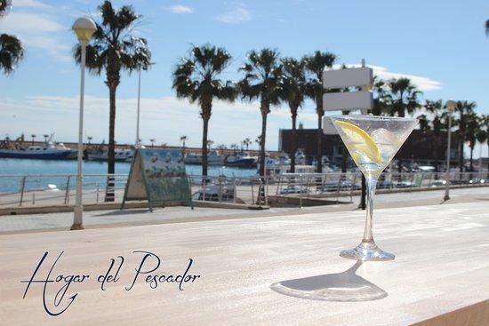 Cocktails Y Copas Con Sol Y Mar En Nuestra Terraza Picture Of