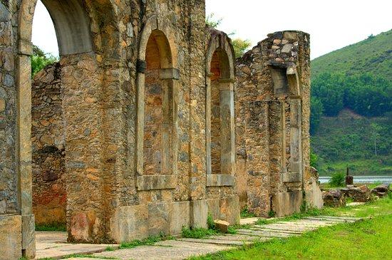 Rio Claro: Mais ruínas