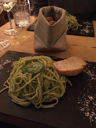 Vineria Santa Marta: Pesto Spaghetti
