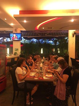 เดอะแลนเทิร์น รีสอร์ท ป่าตอง: La-Lantern Restaurant@ The Lantern Resorts