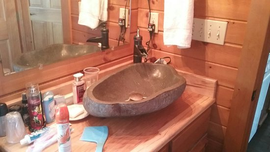 Pine Cove Lodging-Amish Country Lodging: 20180226_101358_large.jpg