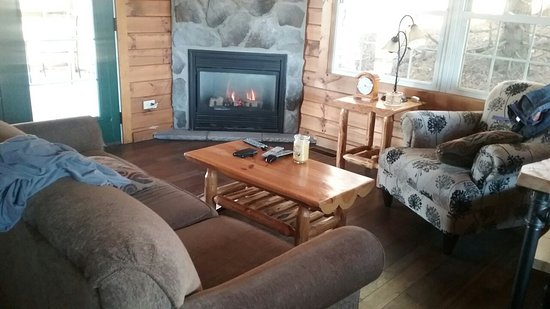 Pine Cove Lodging-Amish Country Lodging: 20180226_101235_large.jpg