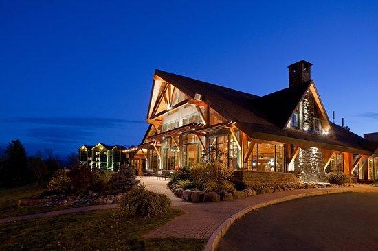 Crowne Plaza Lake Placid: Exterior