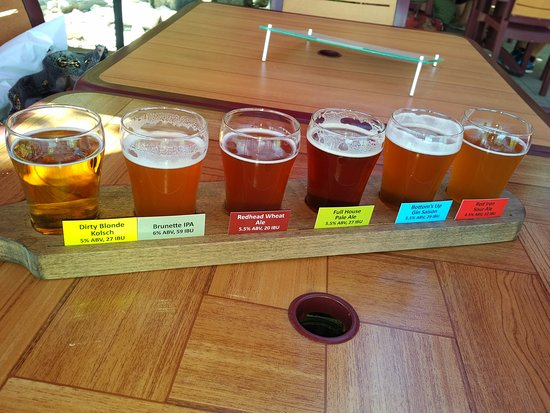 Summerland, Kanada: Craft beer flight