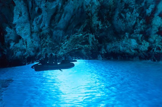 Split Island and Cave Tour with Brac...