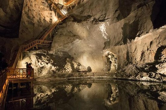 Wieliczka Salt Mine with Private ...