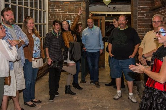 2.5-Hour Haunted Houston Ghost and Pub Walking Tour