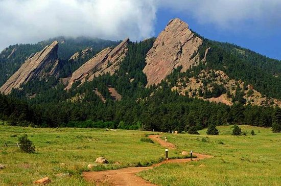 Small-Group Boulder Flatirons...