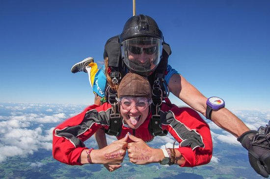 16000ft Skydive - 70 Seconds of free ...