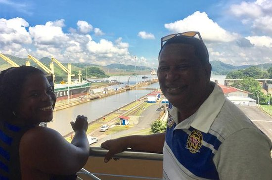 En privat Panama Canal Full Day...
