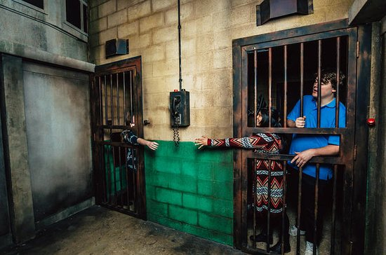 Prison Break Escape Room in Chicago