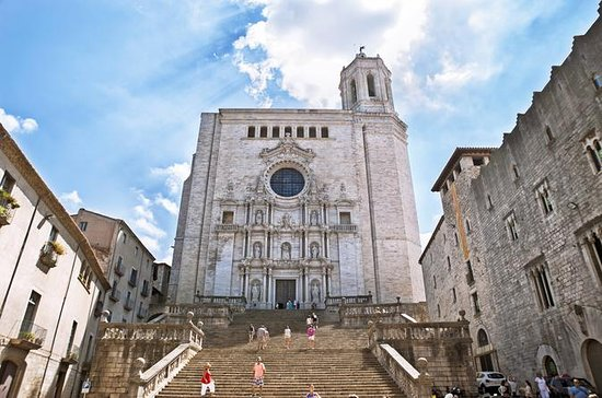 Girona Half Day Small Group Tour with...