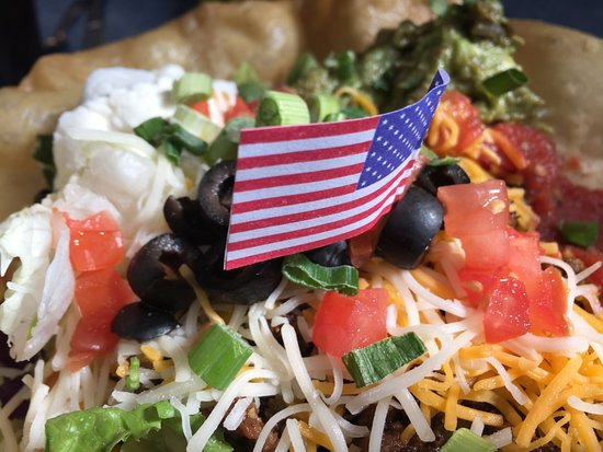 Granite Rock Grill: Checkout the flag; our waitress said one comes with every plate