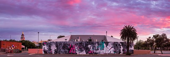 Kalgoorlie-Boulder, Australia: Dimer Family portrait by Askew One, Commonwealth Bank building, Kalgoorlie