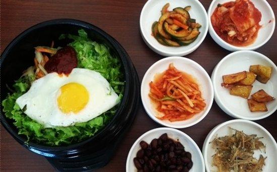 Manna Korean Restaurant: 반찬만 더 좋았어도...